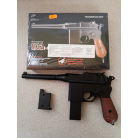 Pistolet M32