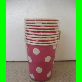 Kubek-różowy-białe kropki